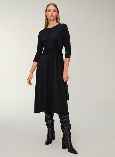 NGSTYLE Kuşak Detaylı Elbise Siyah